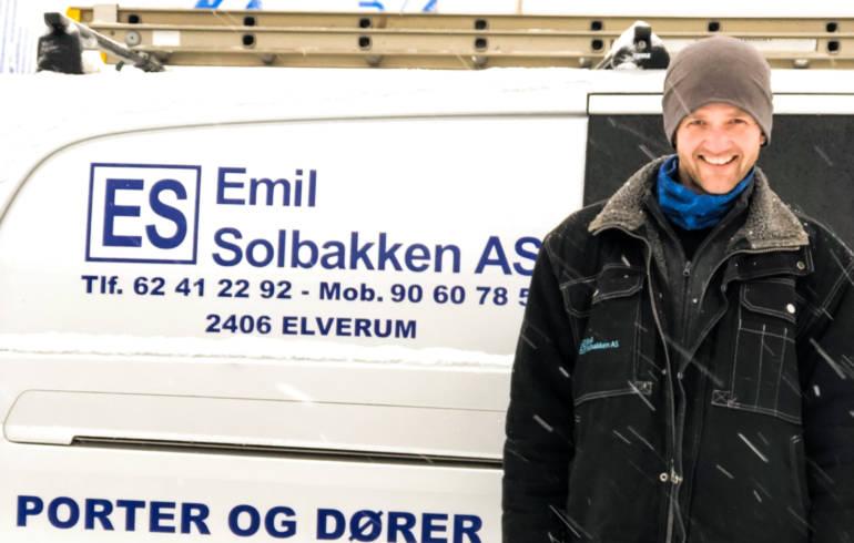 Robert er montørlærling hos Emil Solbakken